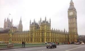 """Gambar Big Ben diambil dari jambatan Westminster. Sebenarnya """"Big Ben"""" bukan nama untuk menara atau jam tapi nama untuk loceng besar dalam menara tu.."""